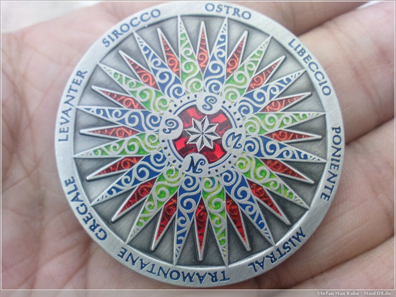 {t250} Compass Rose Geocoin