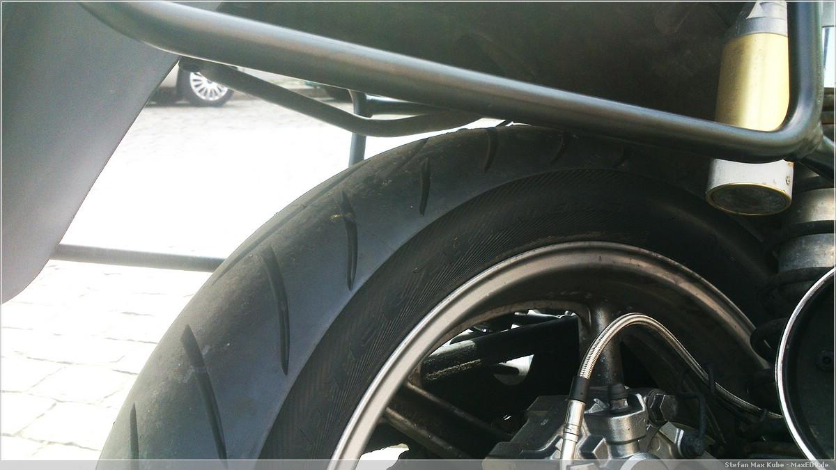 Metzeler Z8 frisch montiert, hinten