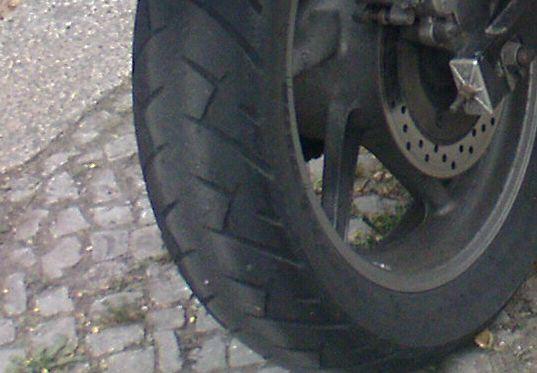 eckiger Reifen
