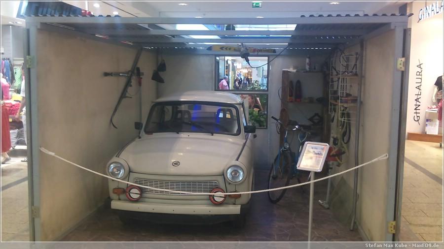 {nost} Trabi in typischer Garage
