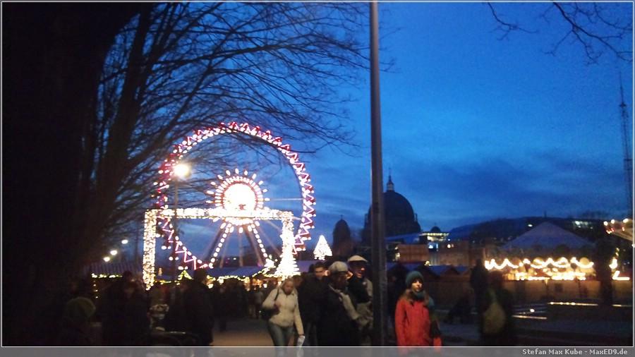 {wm11} Weihnachtsmarkt vor dem Roten Rathaus