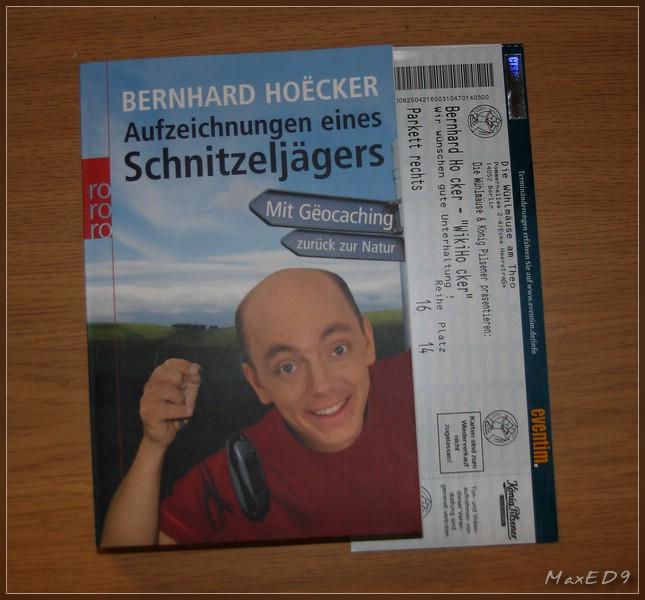 Hoecker, Buch und Eintrittskarte